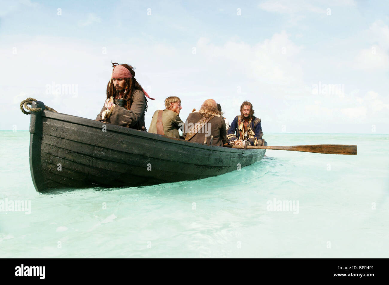 JOHNNY DEPP MACKENZIE CROOK LEE ARENBERG & JACK DAVENPORT PIRATES OF THE CARIBBEAN: DEAD MAN'S CHEST (2006) - Stock Image