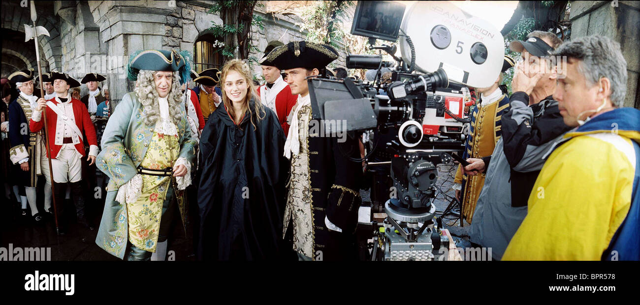 JONATHAN PRYCE KEIRA KNIGHTLEY & ORLANDO BLOOM PIRATES OF THE CARIBBEAN: DEAD MAN'S CHEST (2006) - Stock Image