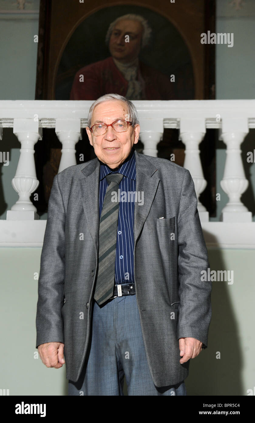 Dean of Moscow State University's journalism faculty, Yassen Zassoursky turns 80 - Stock Image