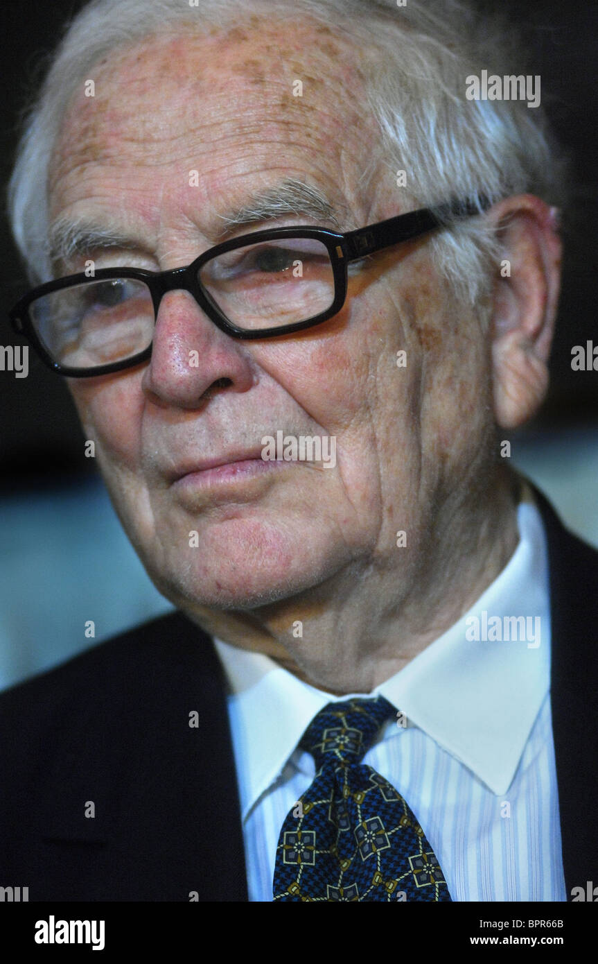 Pierre Cardin gives press conference - Stock Image