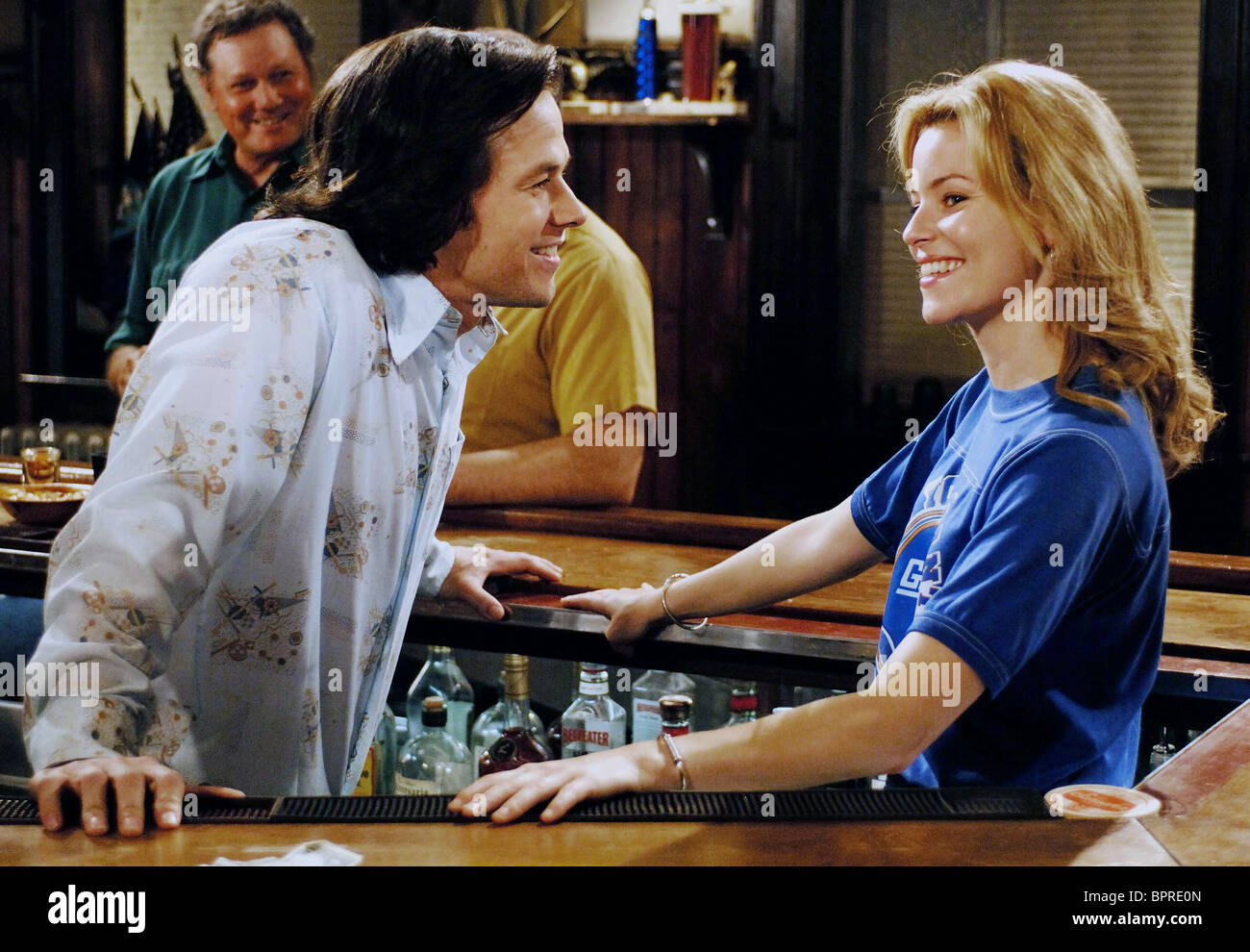 MARK WAHLBERG   ELIZABETH BANKS INVINCIBLE (2006 Stock Photo ... 8886ffd917b5