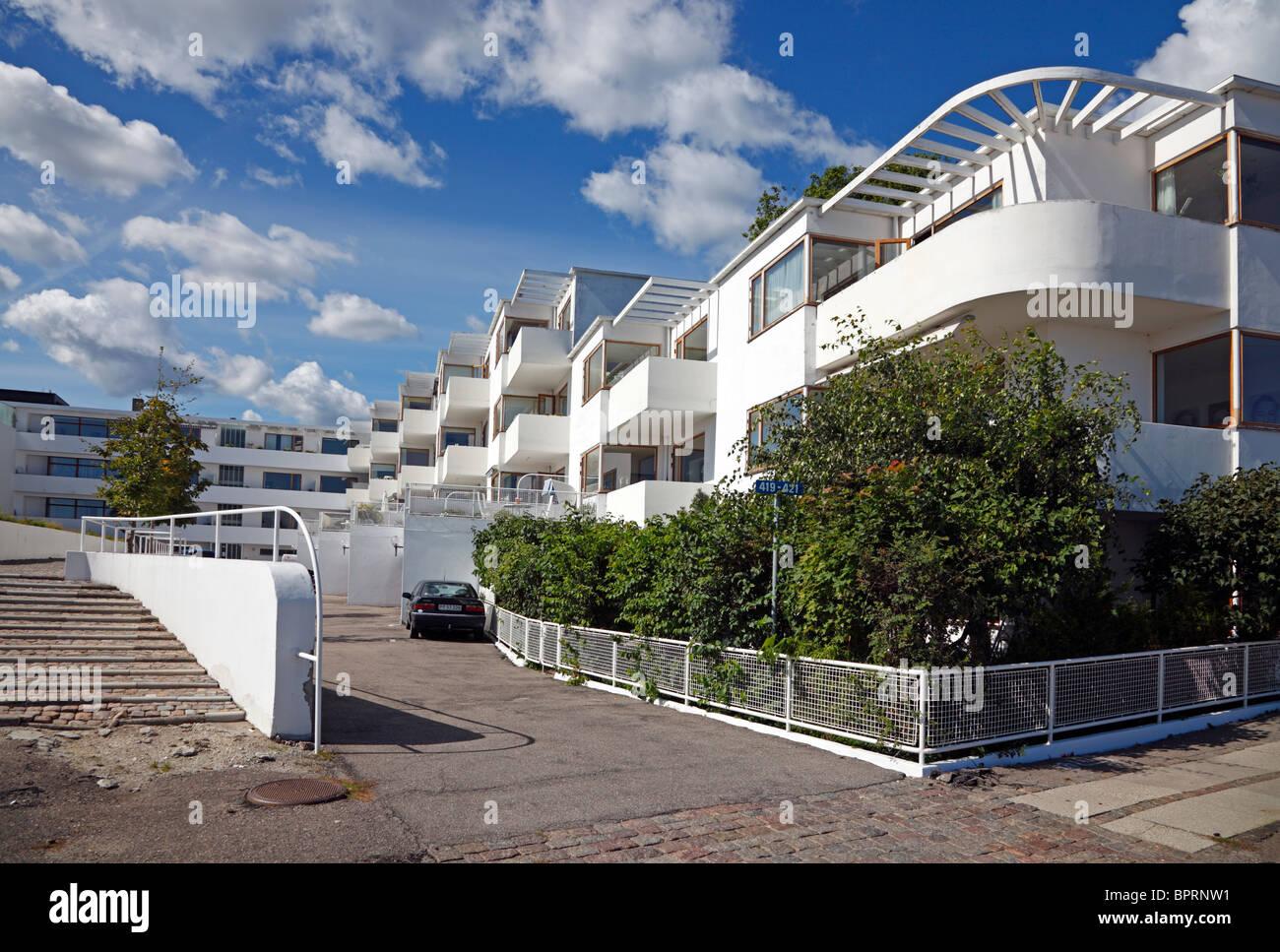 The Bellavista apartment building in Klampenborg near Copenhagen, Denmark, designed by modernist architect Arne Jacobsen. Arne Jacobsen architecture. Stock Photo