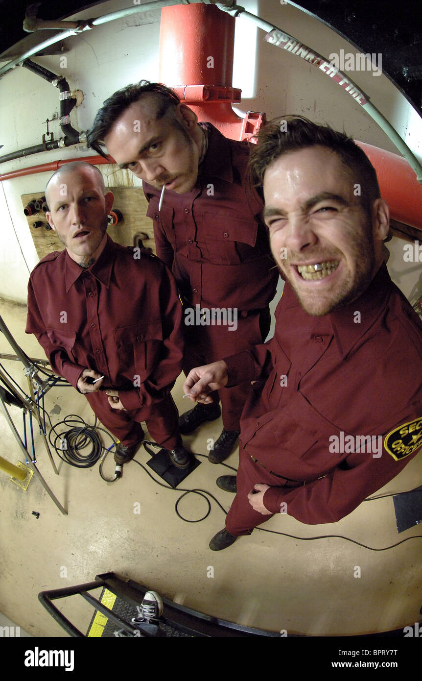 MAURY STERLING KEVIN DURAND & CHRIS PINE SMOKIN' ACES; SMOKING ACES (2006) Stock Photo