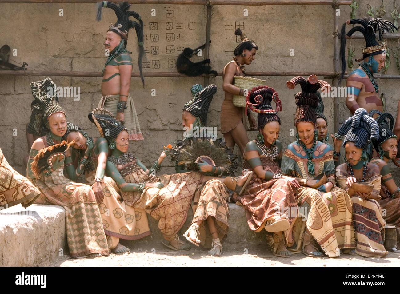 MAYAN TRIBESPEOPLE APOCALYPTO (2006) - Stock Image