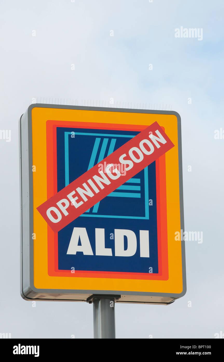 Aldi supermarket opening soon - Stock Image