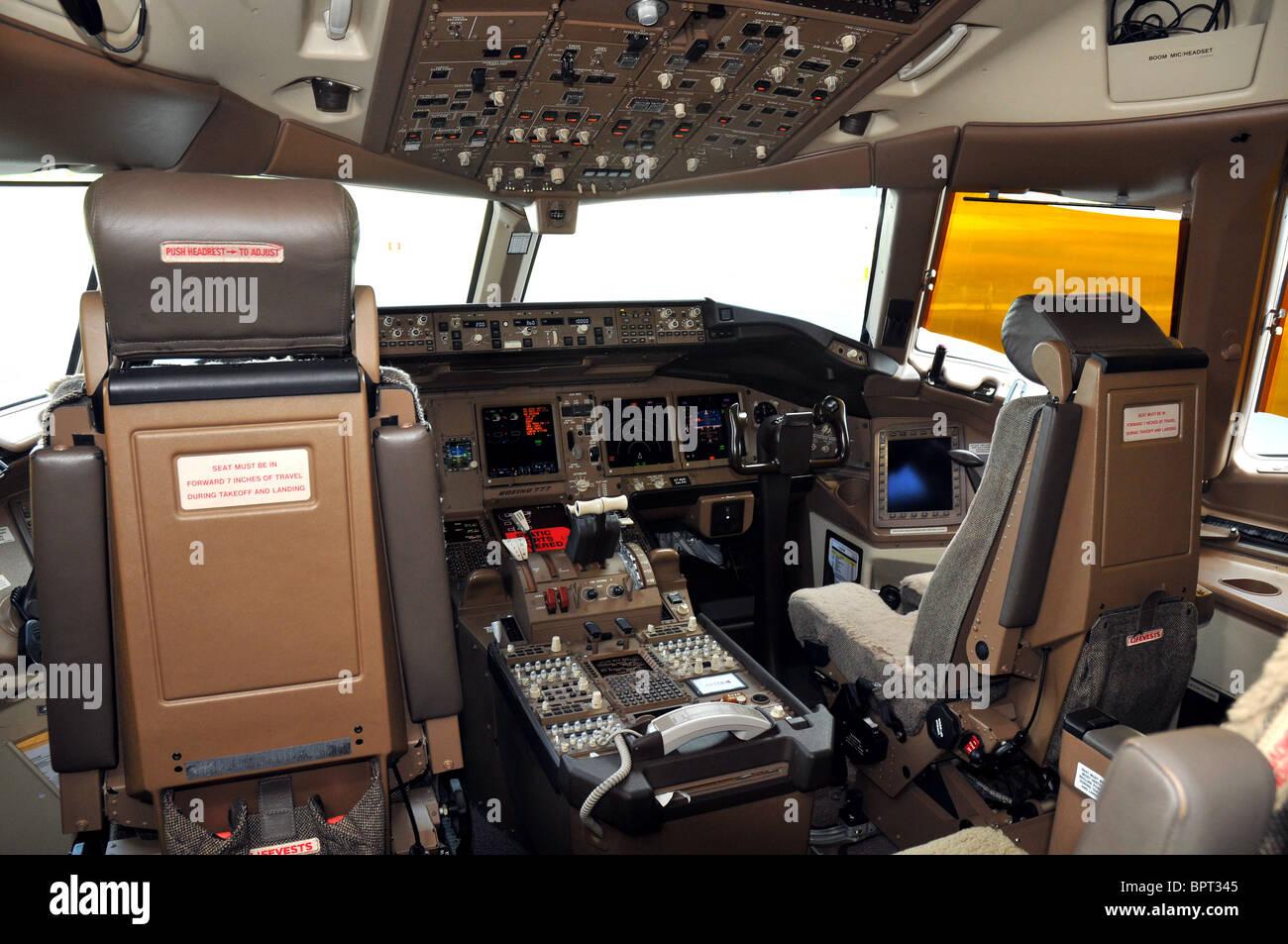 Boeing 777, Cockpit interior, flight deck Stock Photo