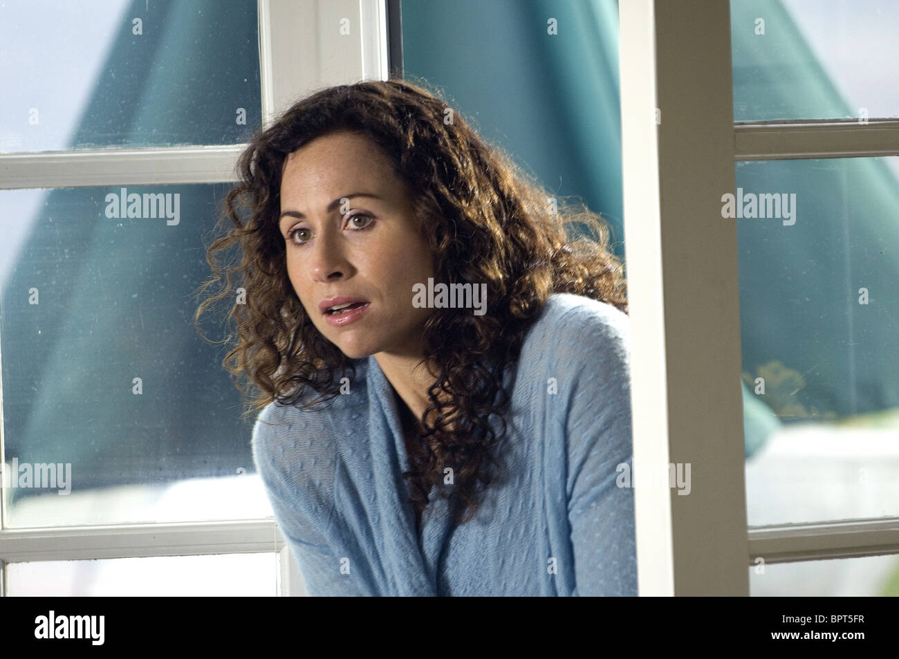MINNIE DRIVER THE RICHES (2007) - Stock Image