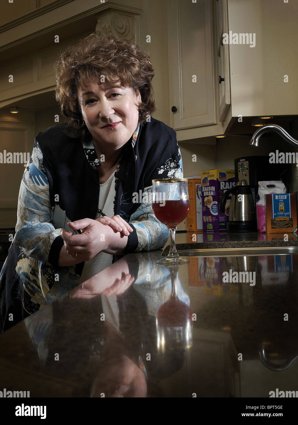 MARGO MARTINDALE THE RICHES (2007) - Stock Image