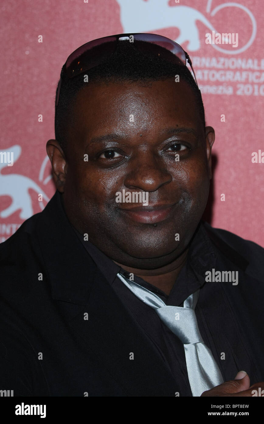 ISAAC JULIEN BETTER LIFE PHOTOCALL. 67TH VENICE FILM FESTIVAL VENICE  ITALY 03 September 2010 - Stock Image