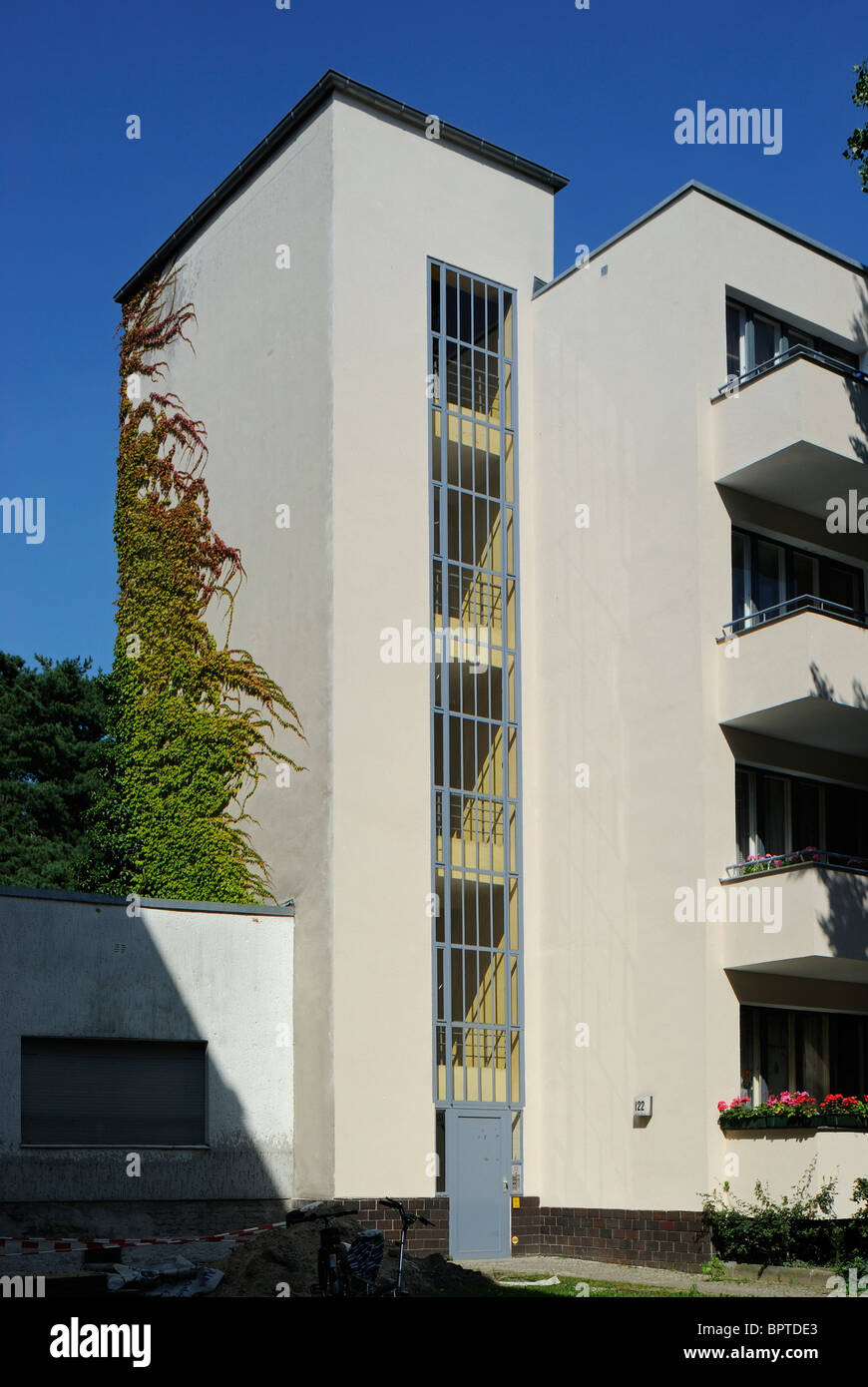 Grosssiedlung Ringsiedlung Siemensstadt, house by architect Walter Gropius, World Heritage Site, Berlin, Germany. - Stock Image