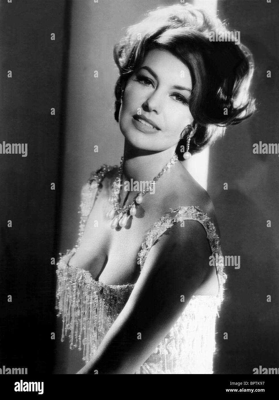 CYD CHARISSE ACTRESS DANCER 1950 Stock Photo 31274803