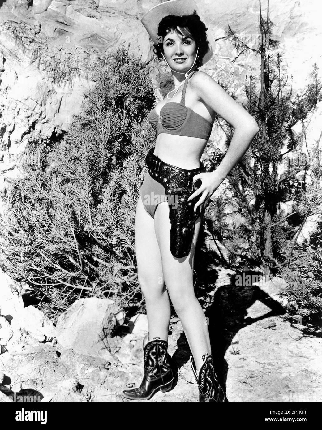 LINDA CRISTAL ACTRESS (1956 Stock Photo: 31274965 - Alamy