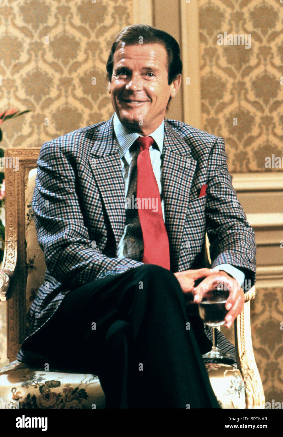 ROGER MOORE ACTOR (1988) - Stock Image