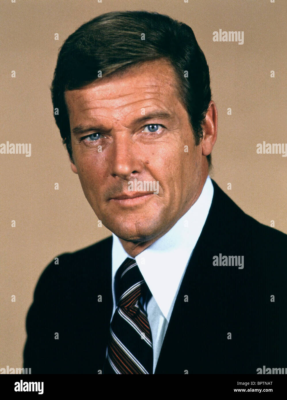 ROGER MOORE ACTOR (1977) - Stock Image