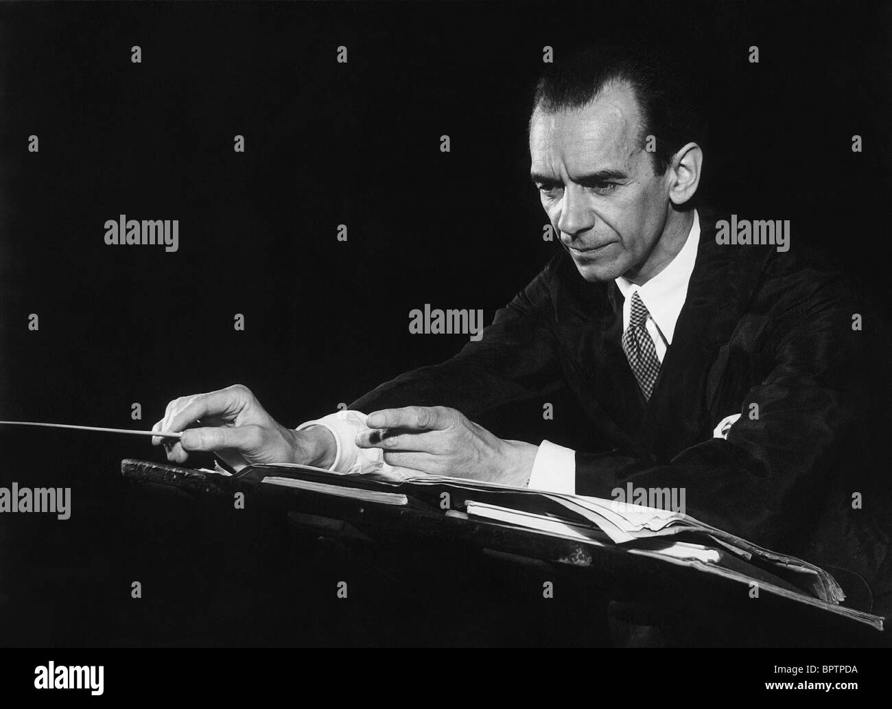 SIR MALCOLM SARGENT COMPOSER & MUSICIAN (1947) - Stock Image