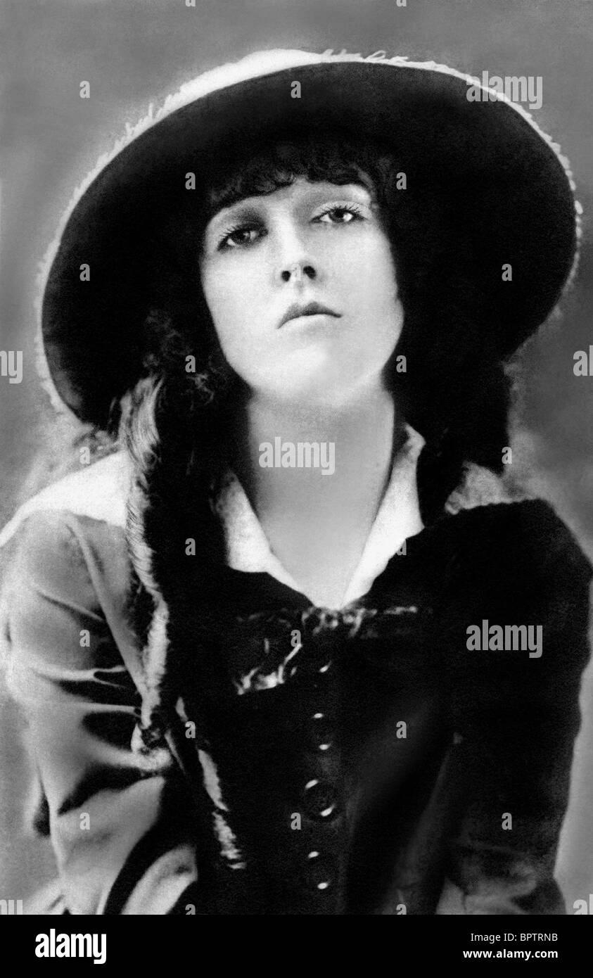 Anisa Butt Erotic pics & movies Margaret Leighton (1922?976),Maud Allan