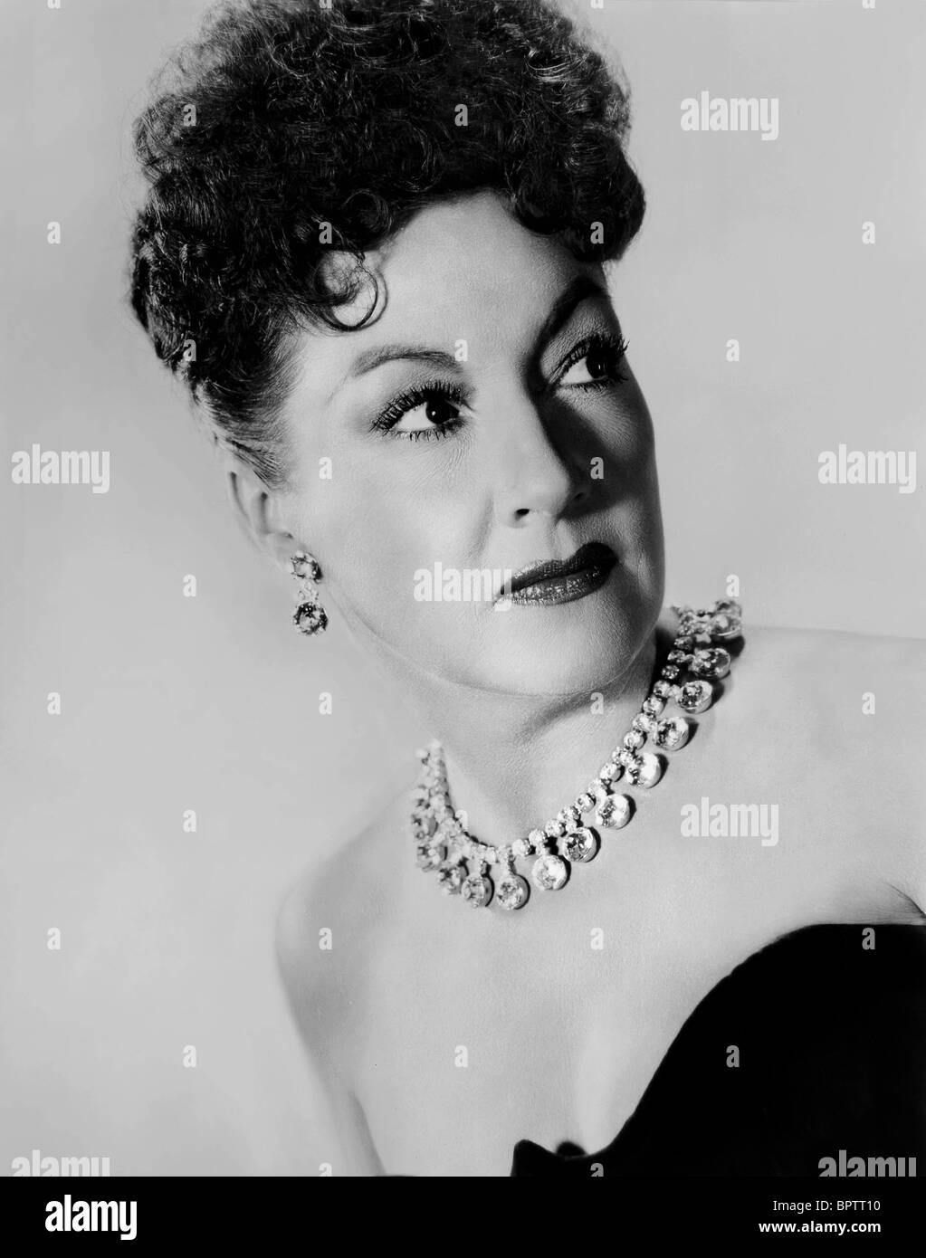 Cassandra Ponti (b. 1982) images