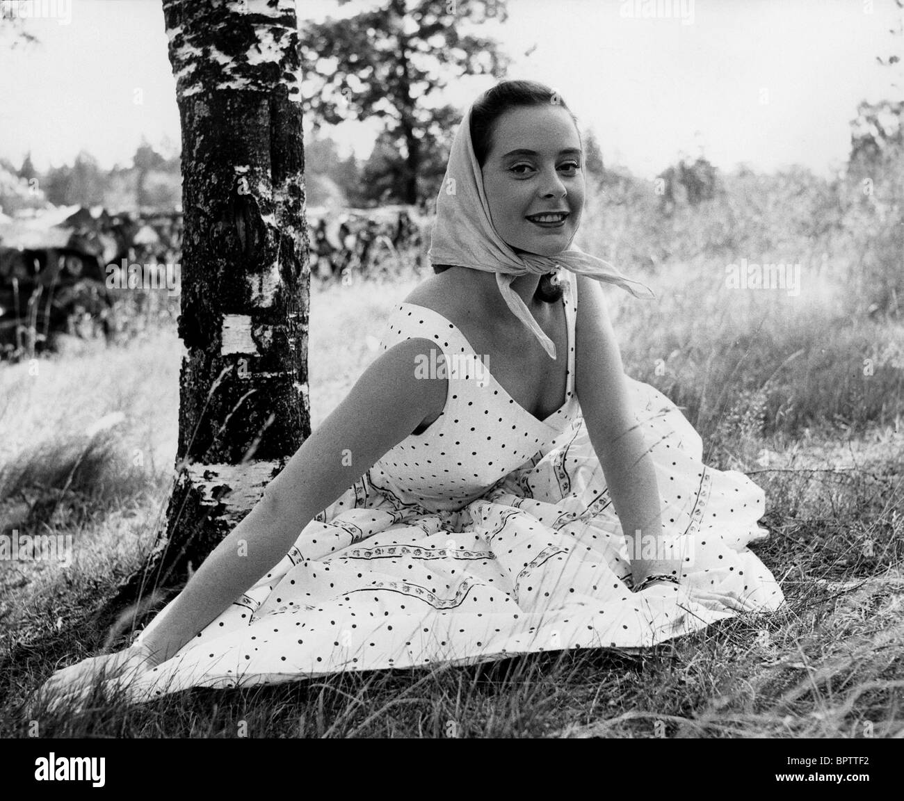 GENEVIEVE PAGE ACTRESS (1956) Stock Photo