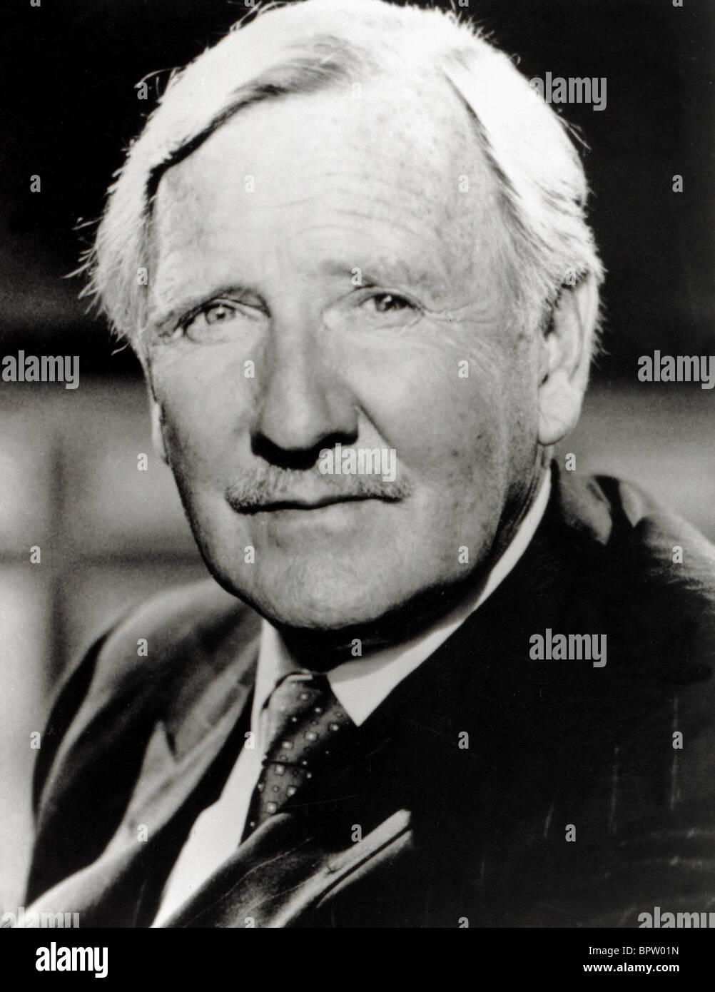LESLIE PHILLIPS ACTOR (1973) - Stock Image