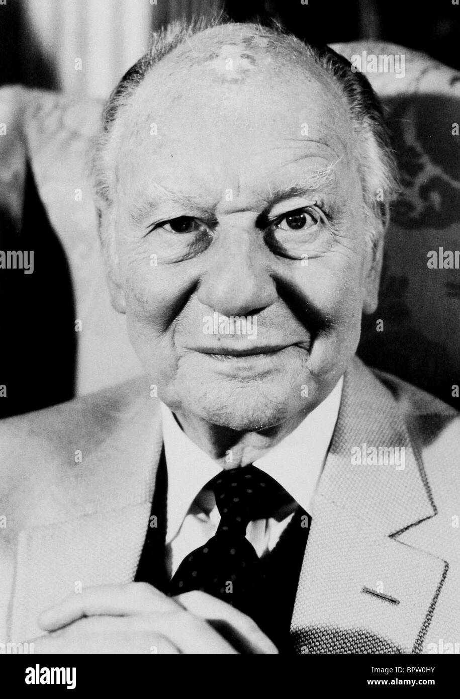 SIR JOHN GIELGUD ACTOR (1980) - Stock Image