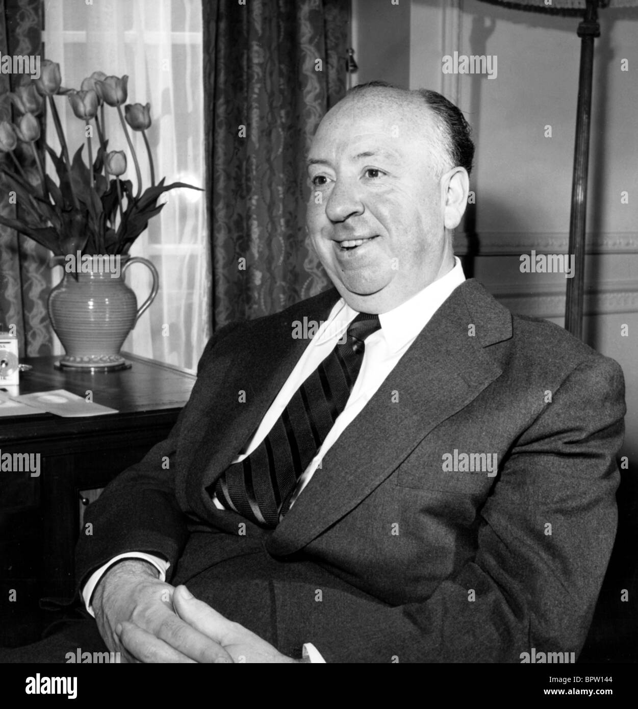 ALFRED HITCHCOCK DIRECTOR (1956) - Stock Image