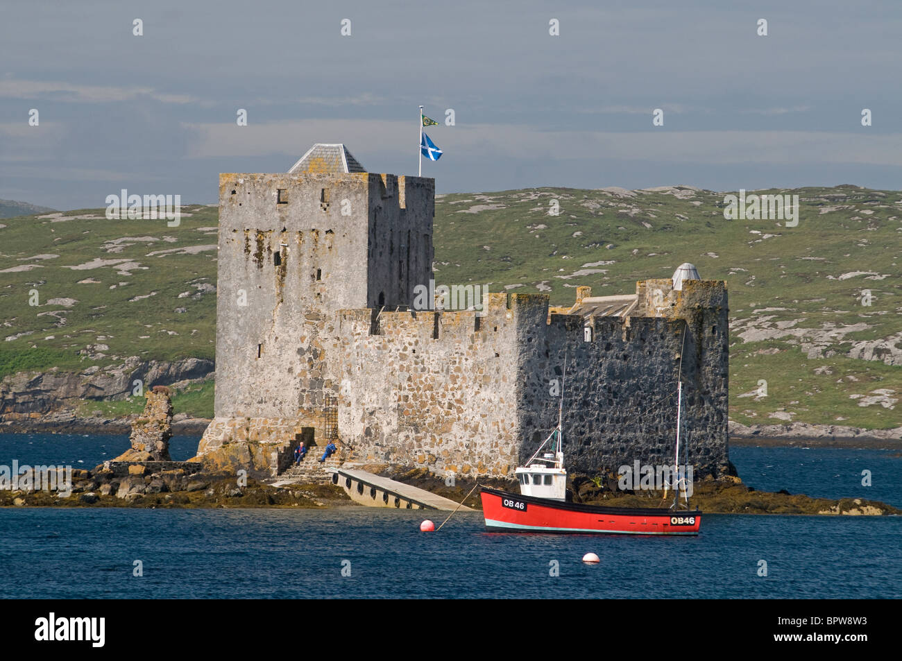 Kisimul Castle sits in Castlebay on the Island of Barra, Outer Hebrides Western Isles. Scotland.  SCO 6527 - Stock Image