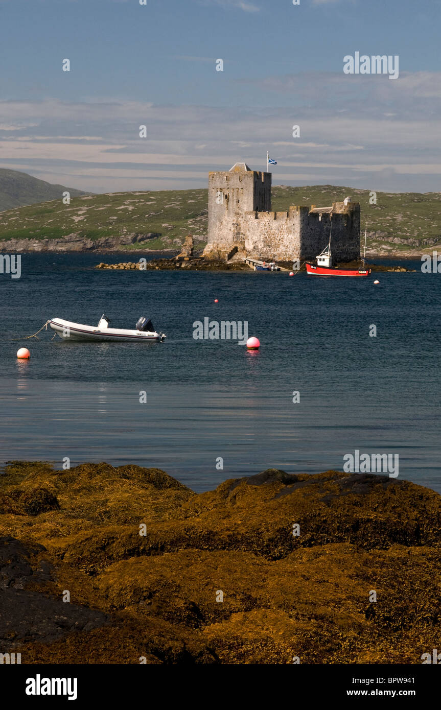 Kisimul Castle sits in Castlebay on the Island of Barra, Outer Hebrides Western Isles. Scotland.   SCO 6531 - Stock Image