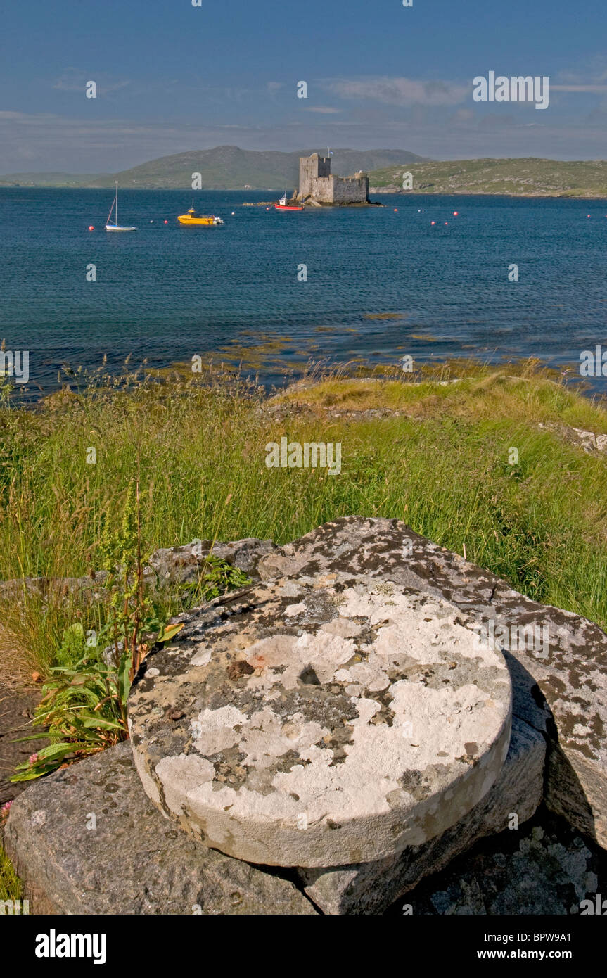 Kisimul Castle sits in Castlebay on the Island of Barra, Outer Hebrides Western Isles. Scotland.  SCO 6526 - Stock Image