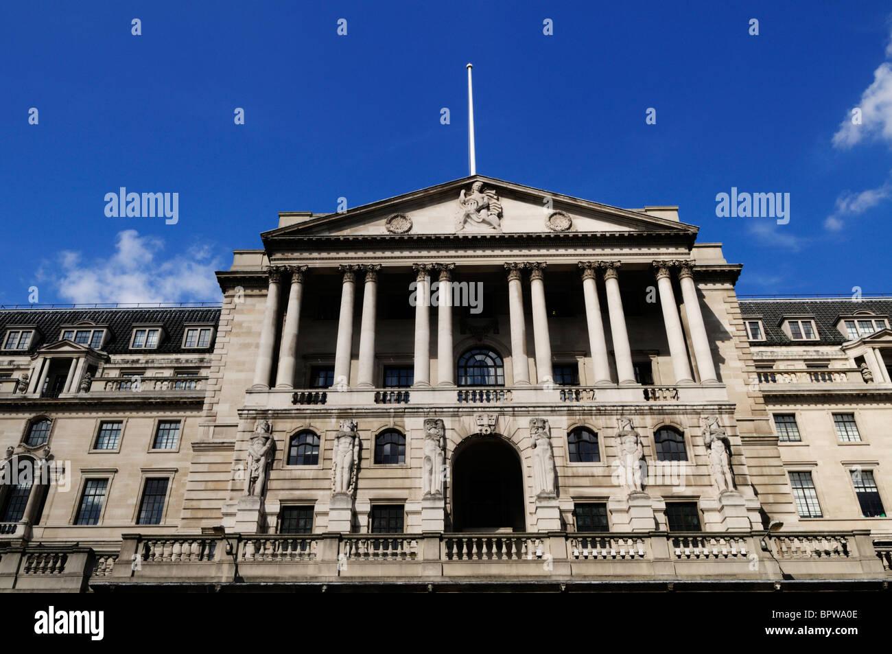 Facade of the Bank of England, Threadneedle Street, London, England, UK - Stock Image