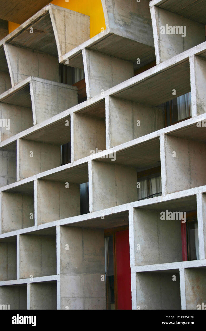 Facade detail of the High Court in Chandigarh, India, designed by Le Corbusier, - Stock Image