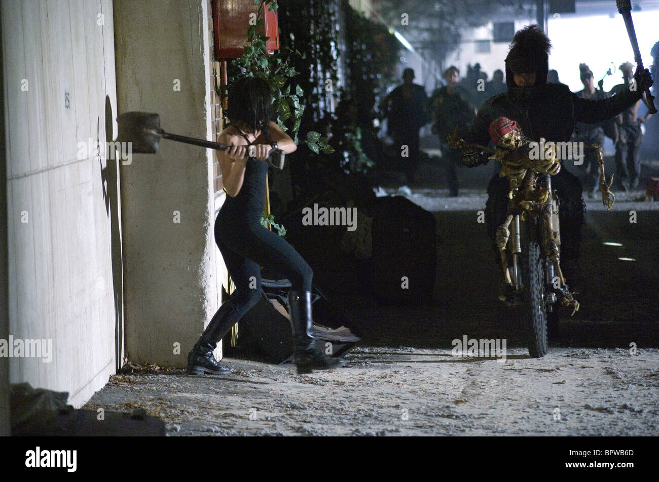 Rhona Mitra Doomsday 2008 Stock Photo Alamy