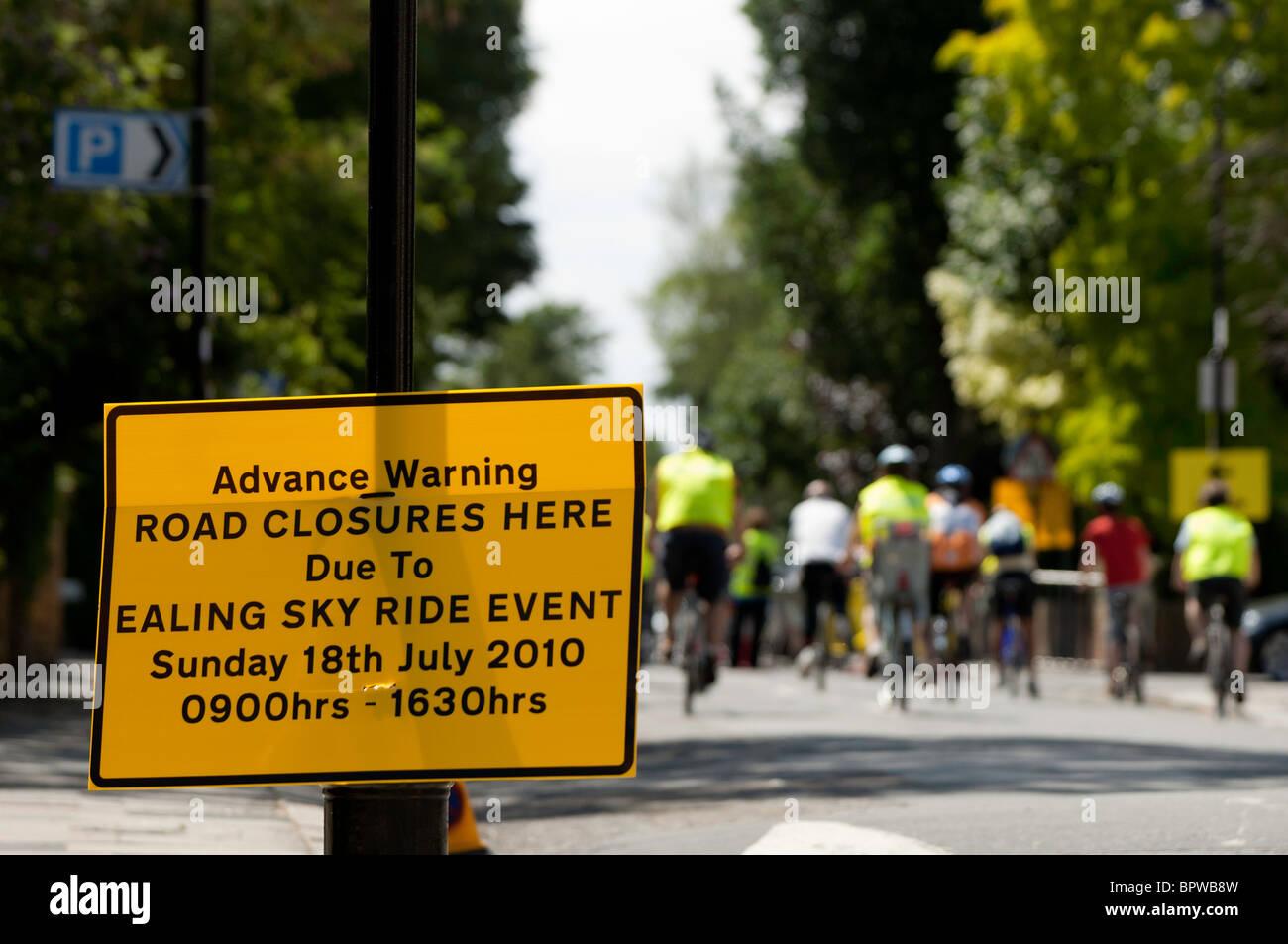 Road closure warning during Mayor of London's Sky Ride Ealing 2010, United Kingdom - Stock Image