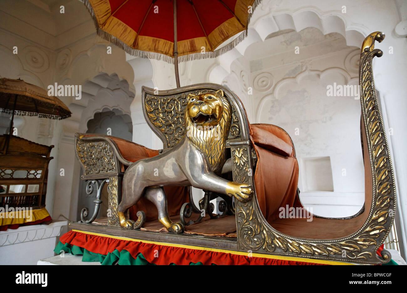 Royal howdah inside Meherangarh Fort, Jodhpur, Rajasthan, India - Stock Image