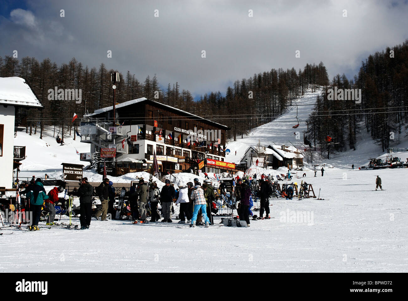 Winter sport. Skiing Sauze D'Oulx, Italy - Stock Image