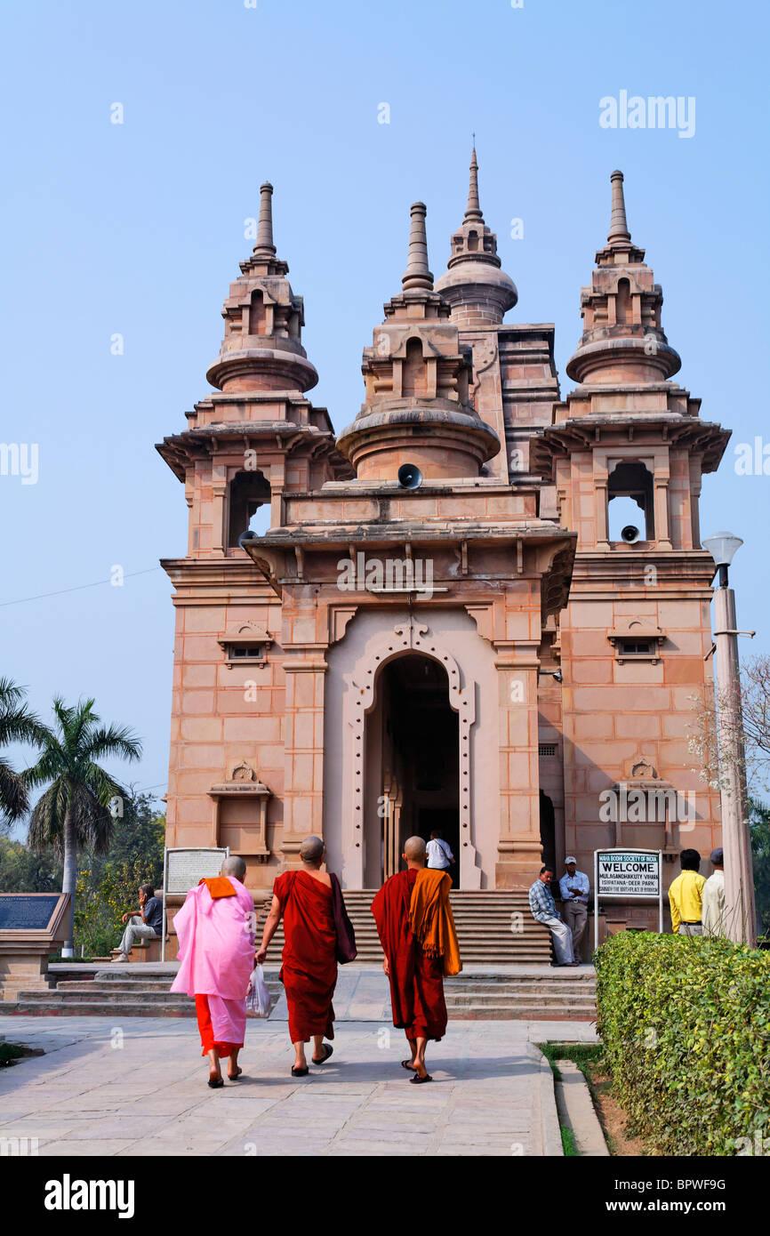 The buddhist Mulganda Kuti Vihar temple, Sarnath, Uttar Pradesh, India - Stock Image