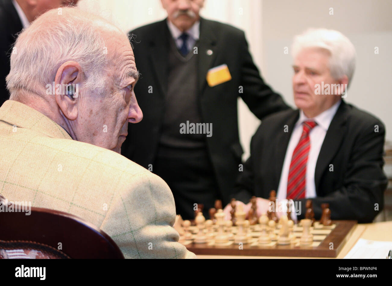 The Battle of the Giants: Victor Korchnoi vs Boris Spassky Stock Photo