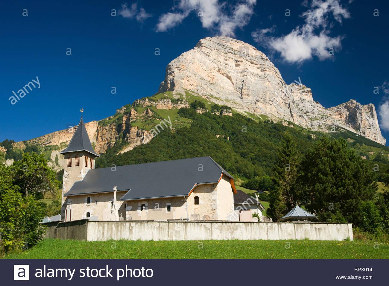 Eglise de Saint Pancrasse, près de Saint Hilaire du Touvet, au pied de la Dent de Crolles - Massif de la Chartreuse Stock Photo