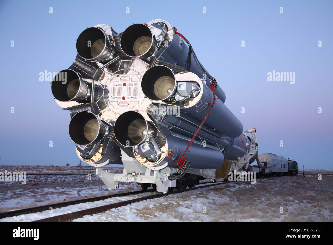 Proton-M rocket to launch Intelsat 16 satellite into space