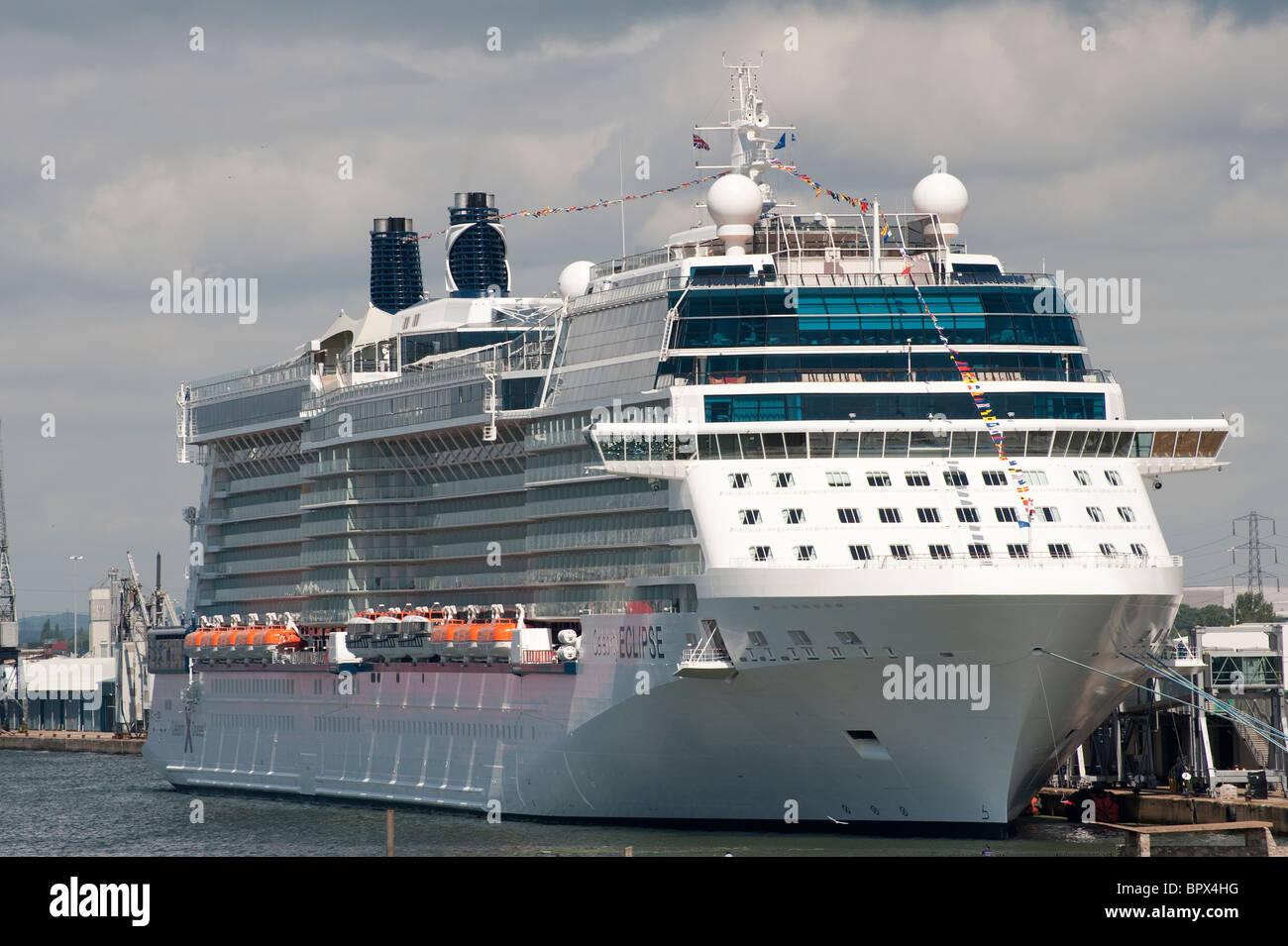 Celebrity Silhouette vs Celebrity Solstice: Compare Cruise ...
