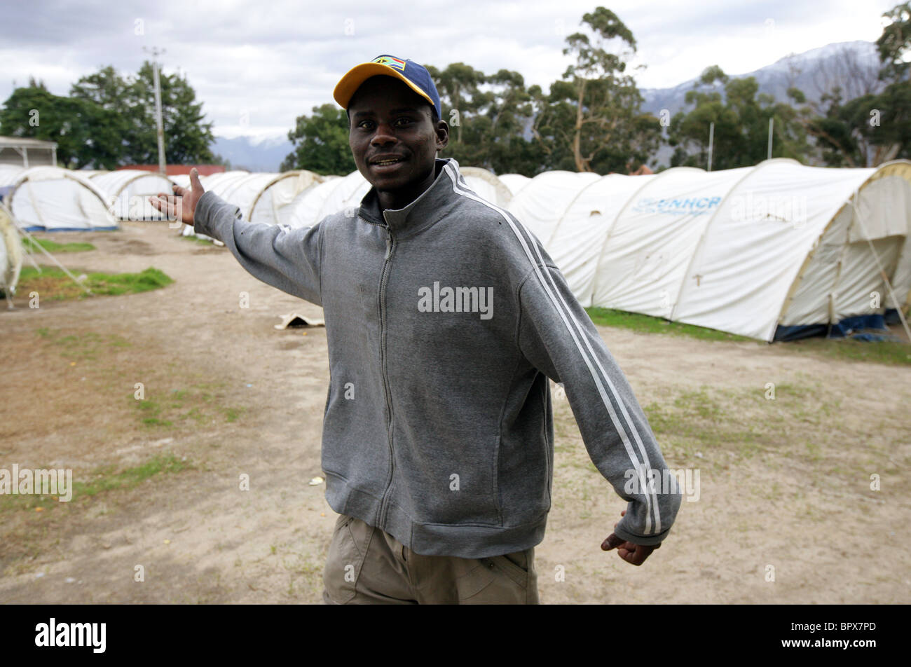South Africa: Refugees from Zimbabwe are still staying in tents at the DeDoorns Refugee camp, Western Cape, Hex - Stock Image