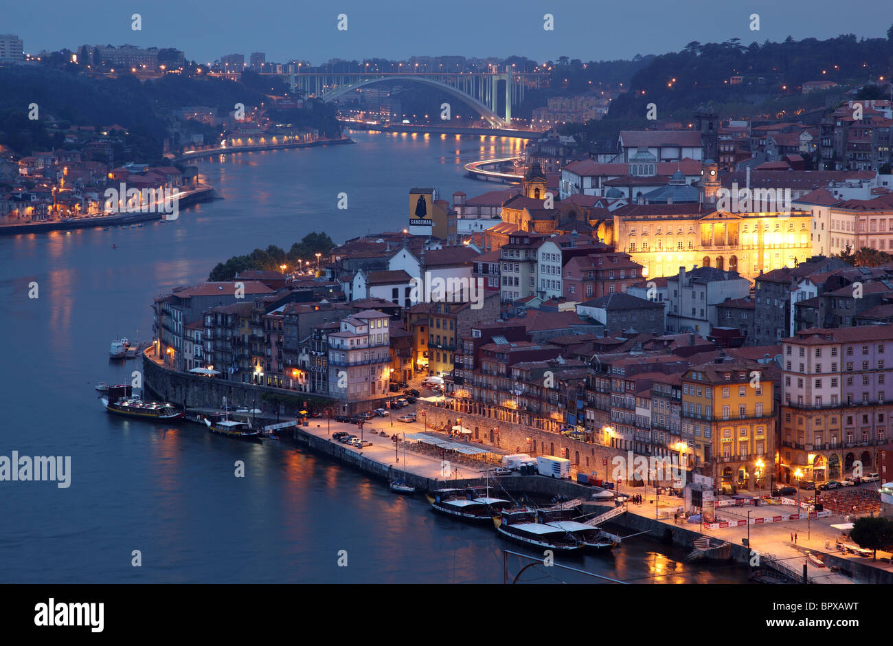 Douro river and the old town of Porto at dusk, Portugal - Stock Image
