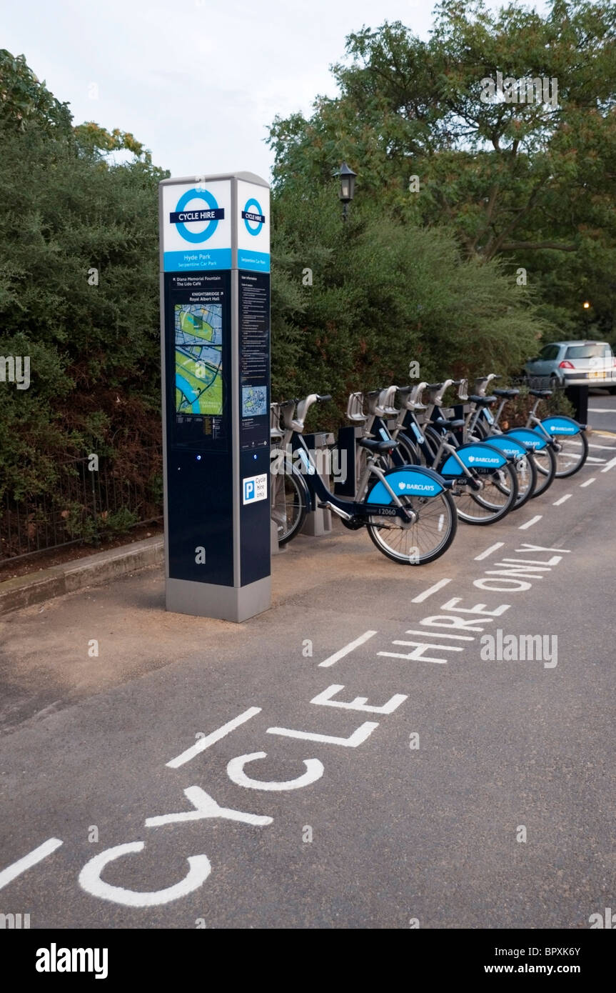 London Barclays cycle hire docking station in Hyde Park, London, England, UK, Europe, EU - Stock Image