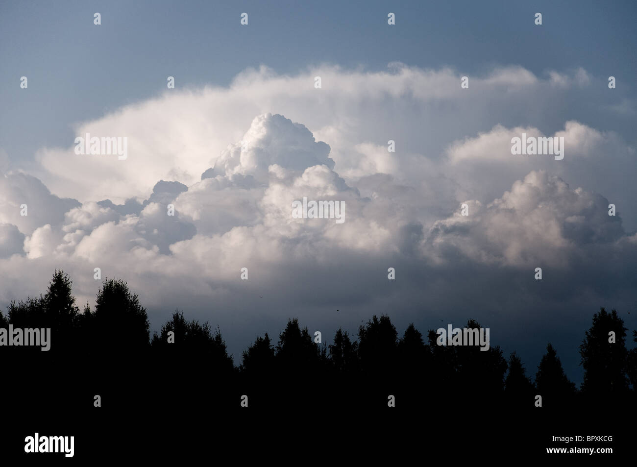 Low level storm clouds forming - Stock Image