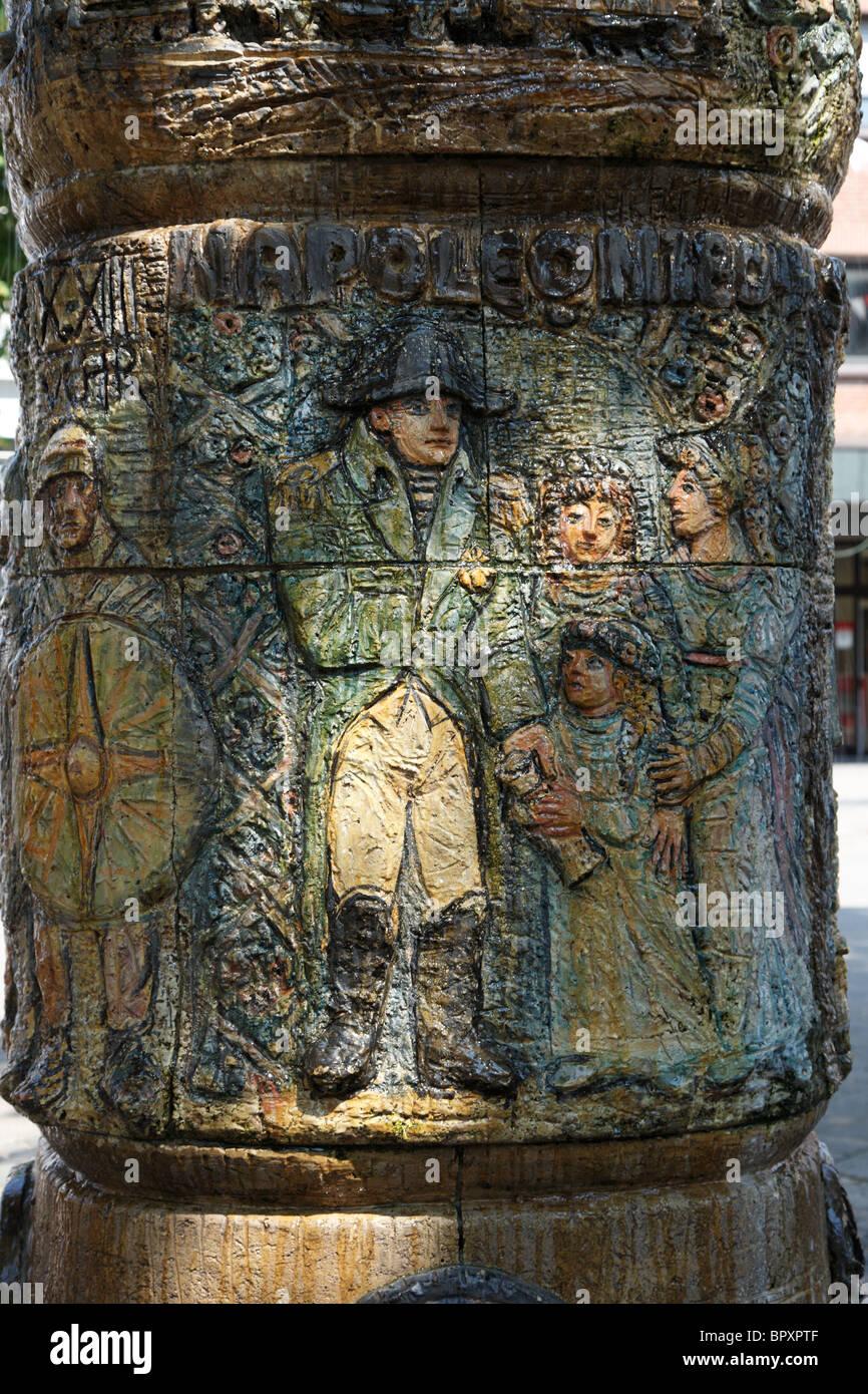 Brunnen am Alten Rathaus, Teilansicht mit Figurengruppe, Dormagen, Niederrhein, Nordrhein-Westfalen - Stock Image