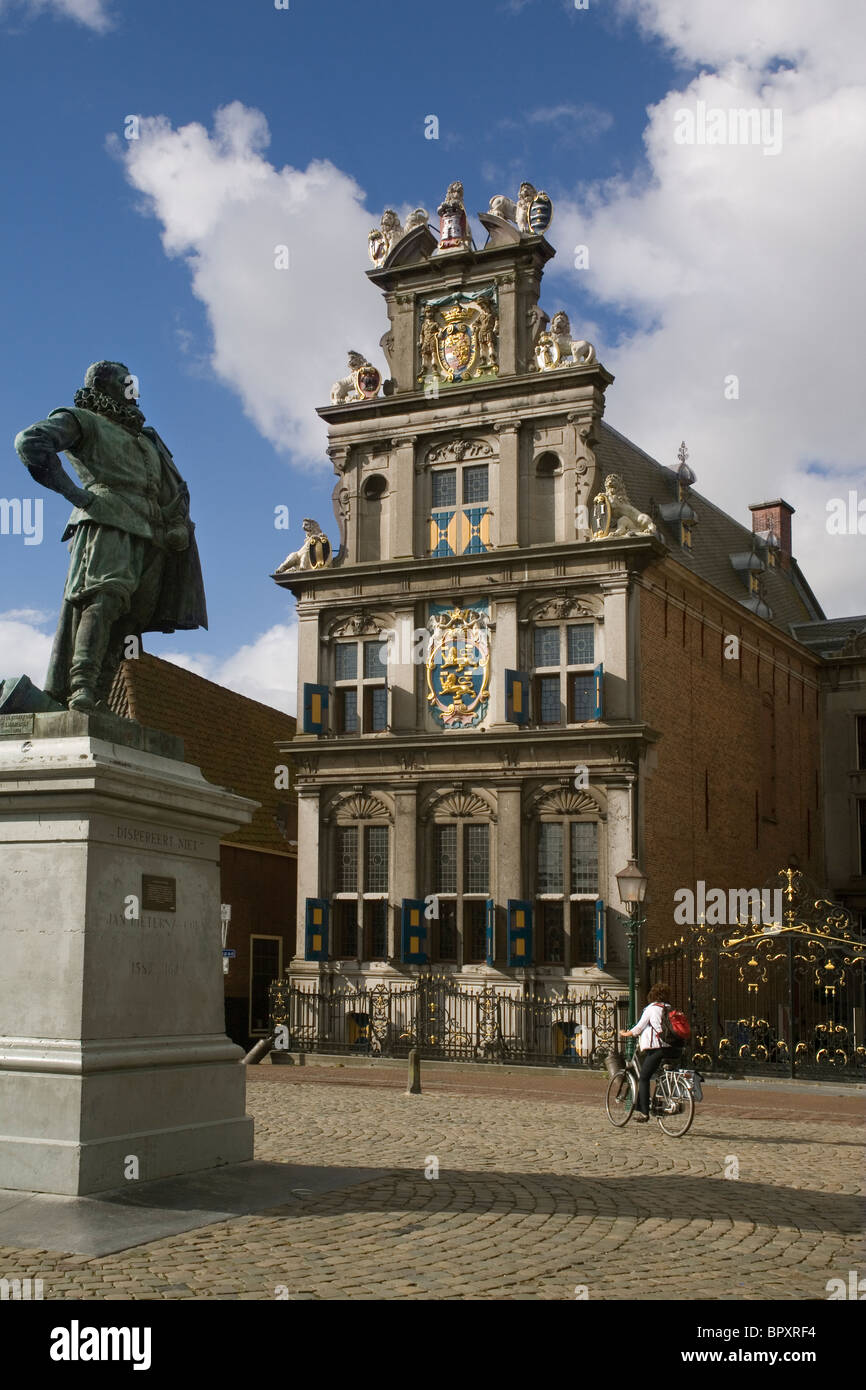 Holland Hoorn Roode Steen & statue of Jan Pieterszoon Coen, founder of Dutch East India company - Stock Image