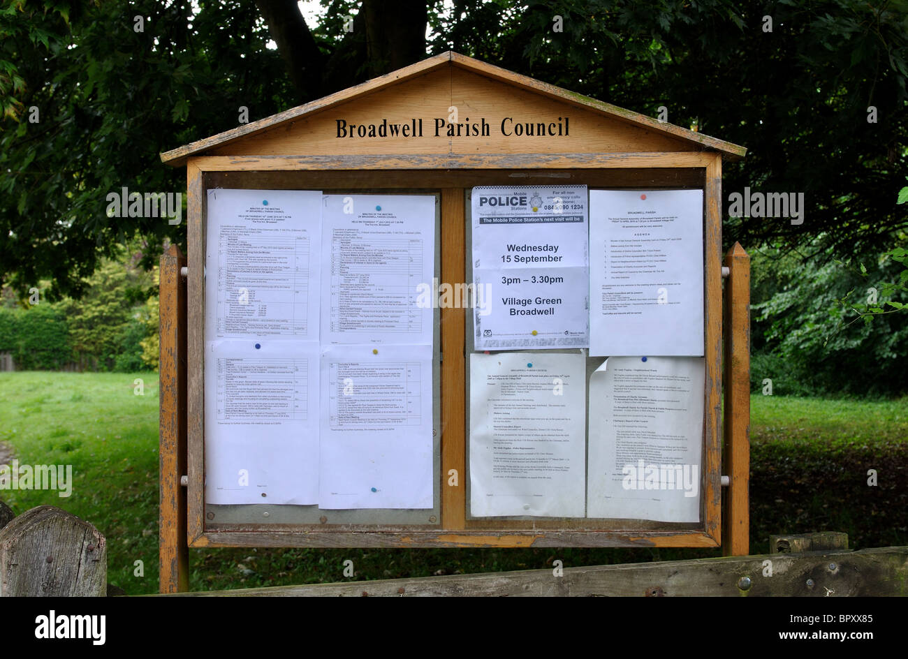Public notices board stock photos public notices board stock images alamy - Garage moretton communay ...
