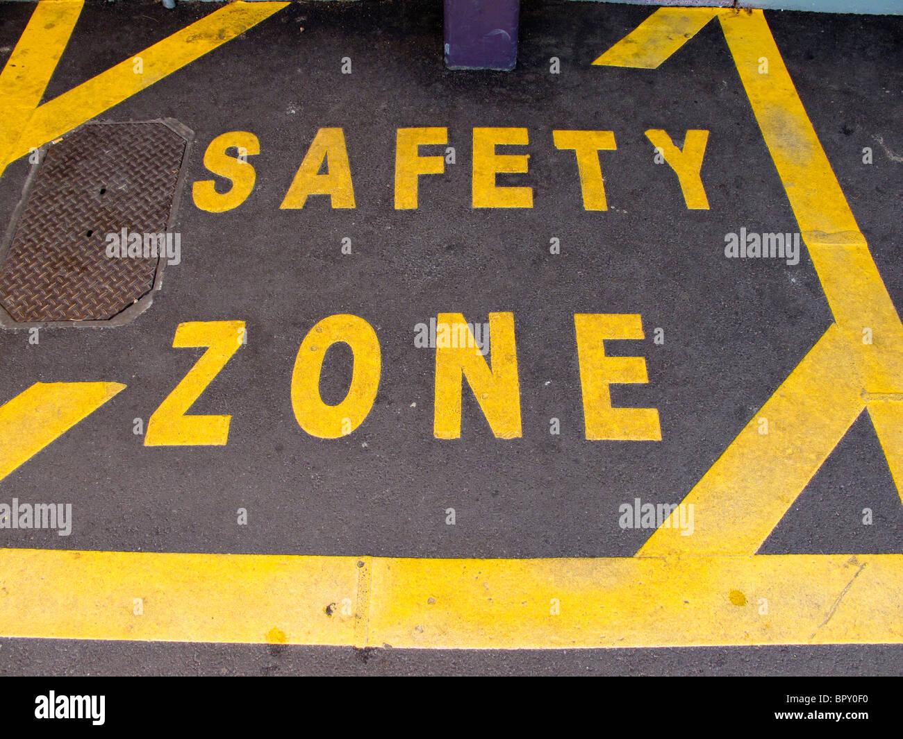 Safety zone markings - Stock Image