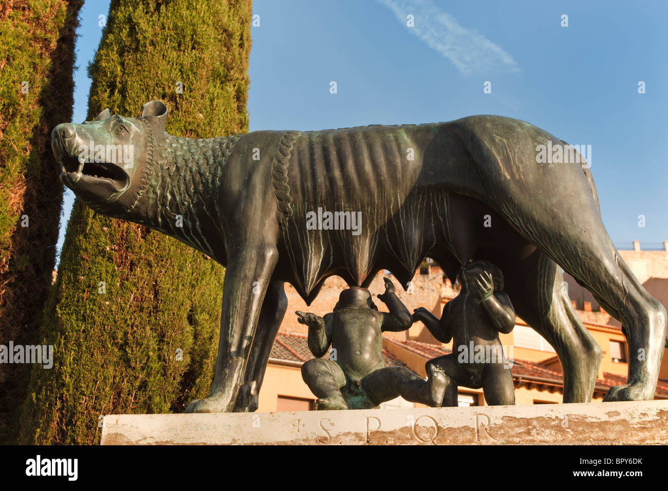 Segovia, Segovia Province, Spain. The she wolf suckling Romulus and Remus. - Stock Image