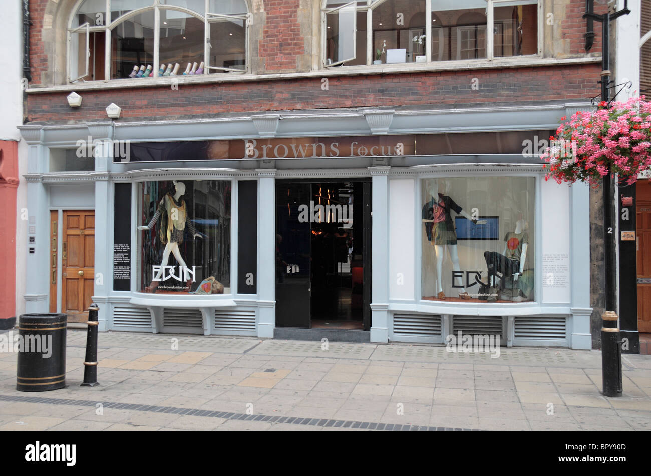 The shop front of the Browns Focus designer clothing store on South Molton  St, London, UK 868d4b4a6ee