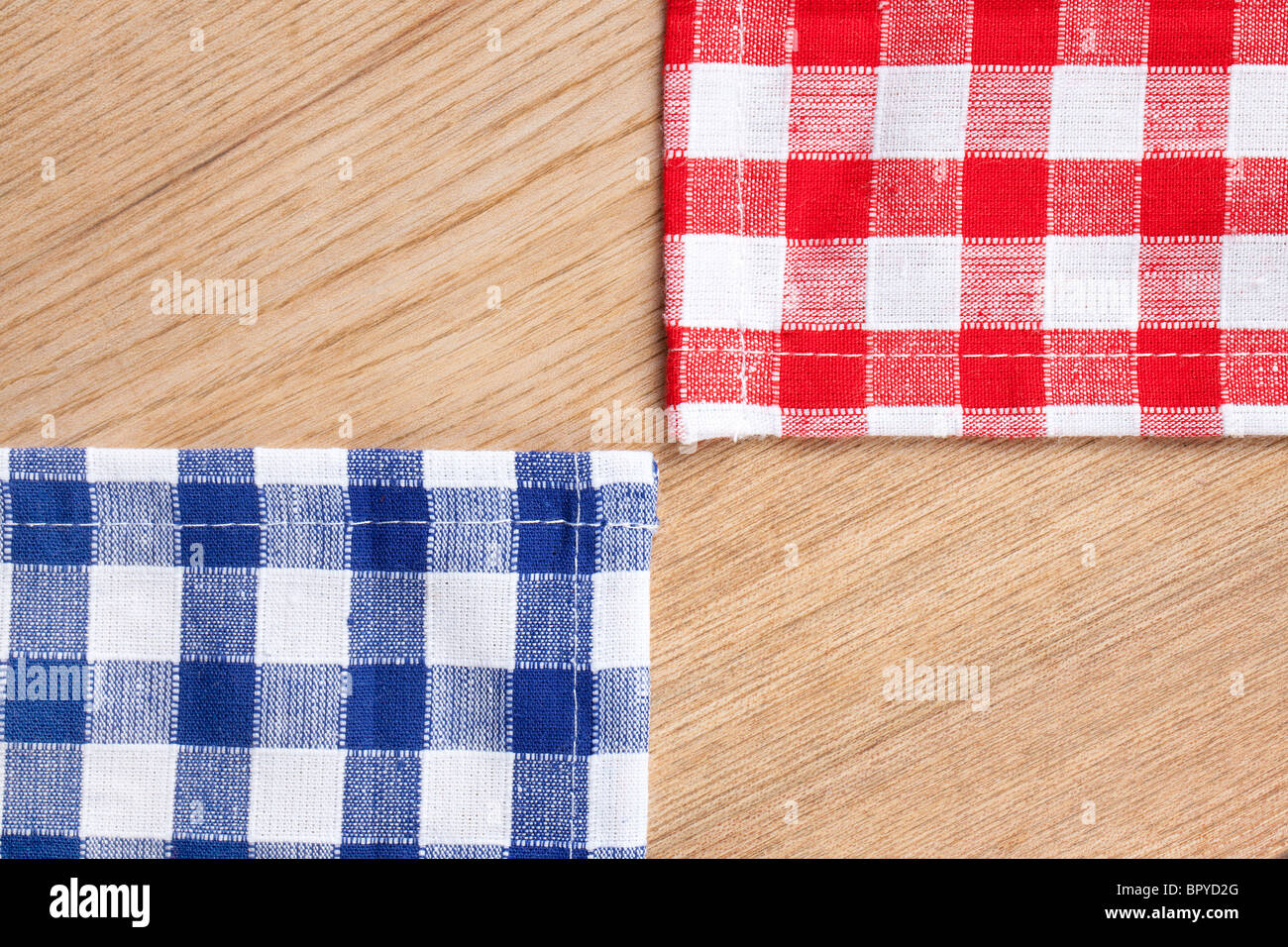 Genial The Checkered Tablecloth On Wooden Table   Stock Image